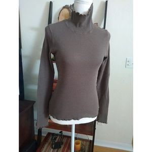 Size M Athleta gray turtle neck long sleeve top